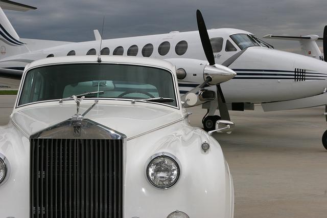 Авто и самолет