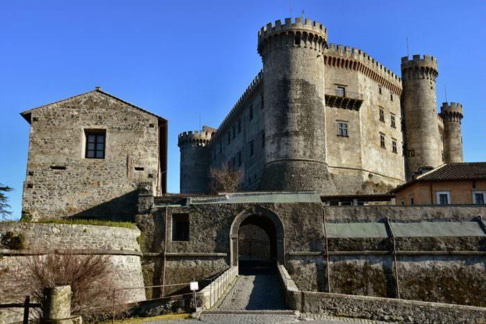 Замок Орсини в Италии
