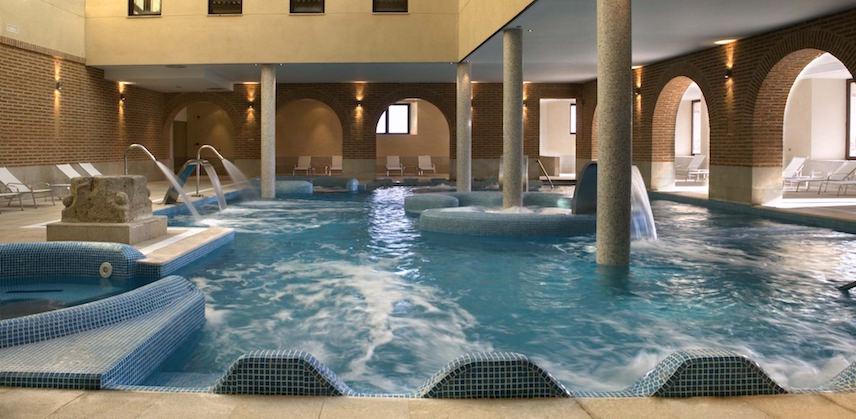Термальный бассейн курорт Хисар
