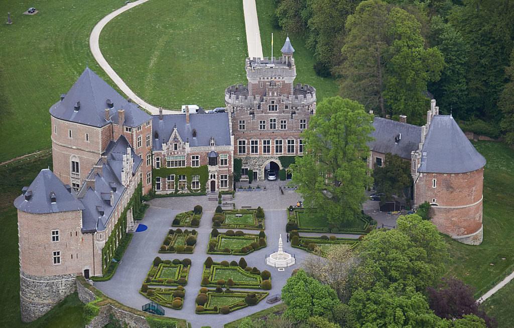 Замок Гаасбек в Бельгии